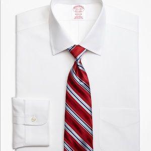 EUC Brooks brothers Madison 16.5-35 spread collar